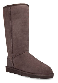 UGG® Australia Classic Short Boot Chocolate