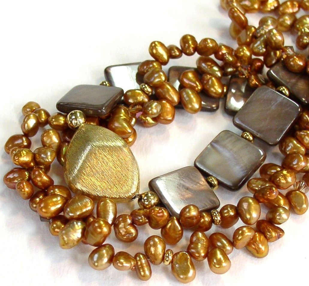 taupe-shell-gold-pearls.-close.jpg