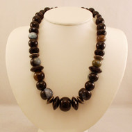 Marbled Agate and Faceted Onyx Petite Necklace