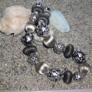 Mixed Corrugated with Black &  Silver Dotted Bead Necklace