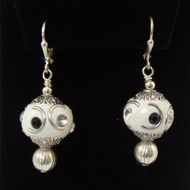3179E	White Silver & Crystal Bead  Earrings