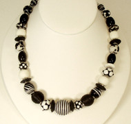 Black & White Coil Bead  Mixed  Black & White Bead Necklace