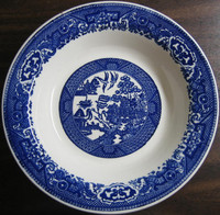Vintage USA Willow Ware Flat Bowl. www.DecorativeDishes.net