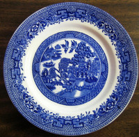 OLD Flow Blue White Chinoiserie Exotic Birds English Willow Plate M www.DecorativeDishes.net