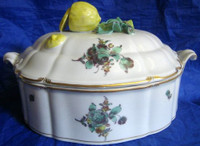 3-D Sliced Lemon Nymphenburg Gold Trim Covered Dish