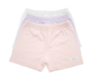 These stretchy, breathable shorts provide pressure around the thighs and hips. Fits boys and girls and can be worn under their clothing.