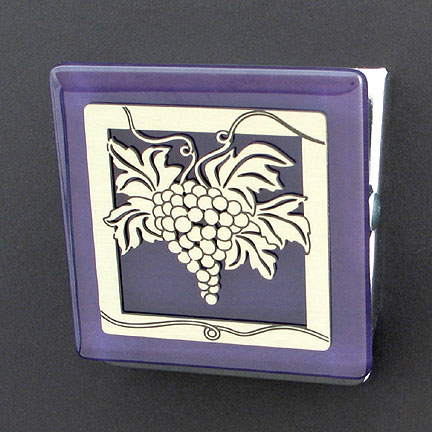 Grapes Magnetic Clip in Purple and Silver