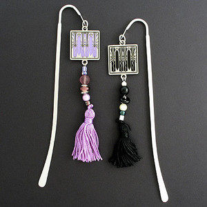 Retro Art Deco Hook Bookmark with Beaded Tassel