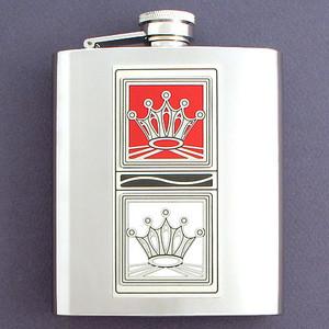 Red Queen vs. White Queen 8 Oz Flask