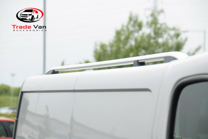 vivaro-roof-rail-logo-720-.jpg