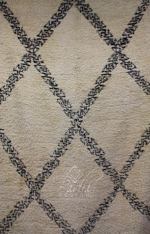 hand-woven-beni-ouarain-rug-r795-2.jpg