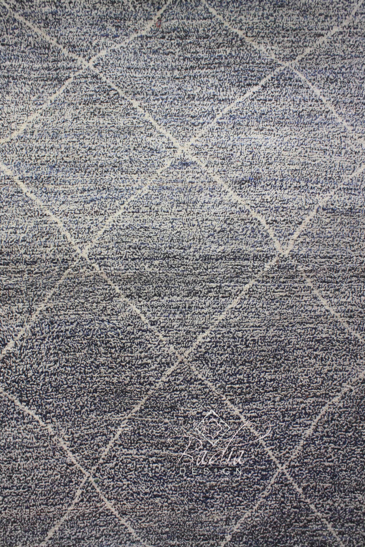 moroccan-berber-handmade-rugs-r900-2.jpg