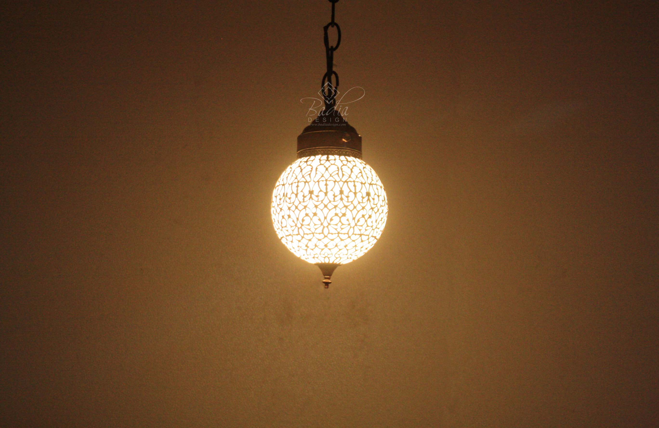 moroccan-brass-pendant-light-with-white-glass-lig371-2c.jpg