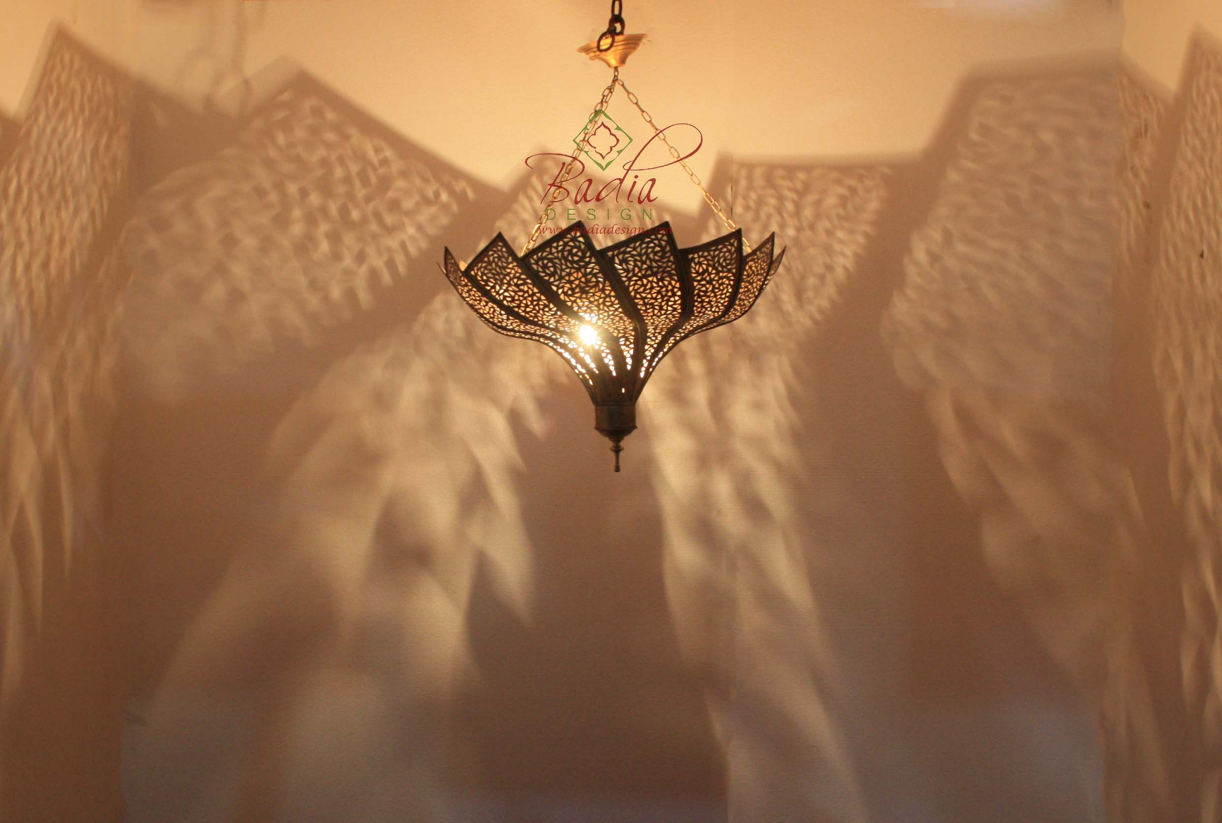 moroccan-brass-swirling-fan-shaped-chandelier-ch005-1.jpg