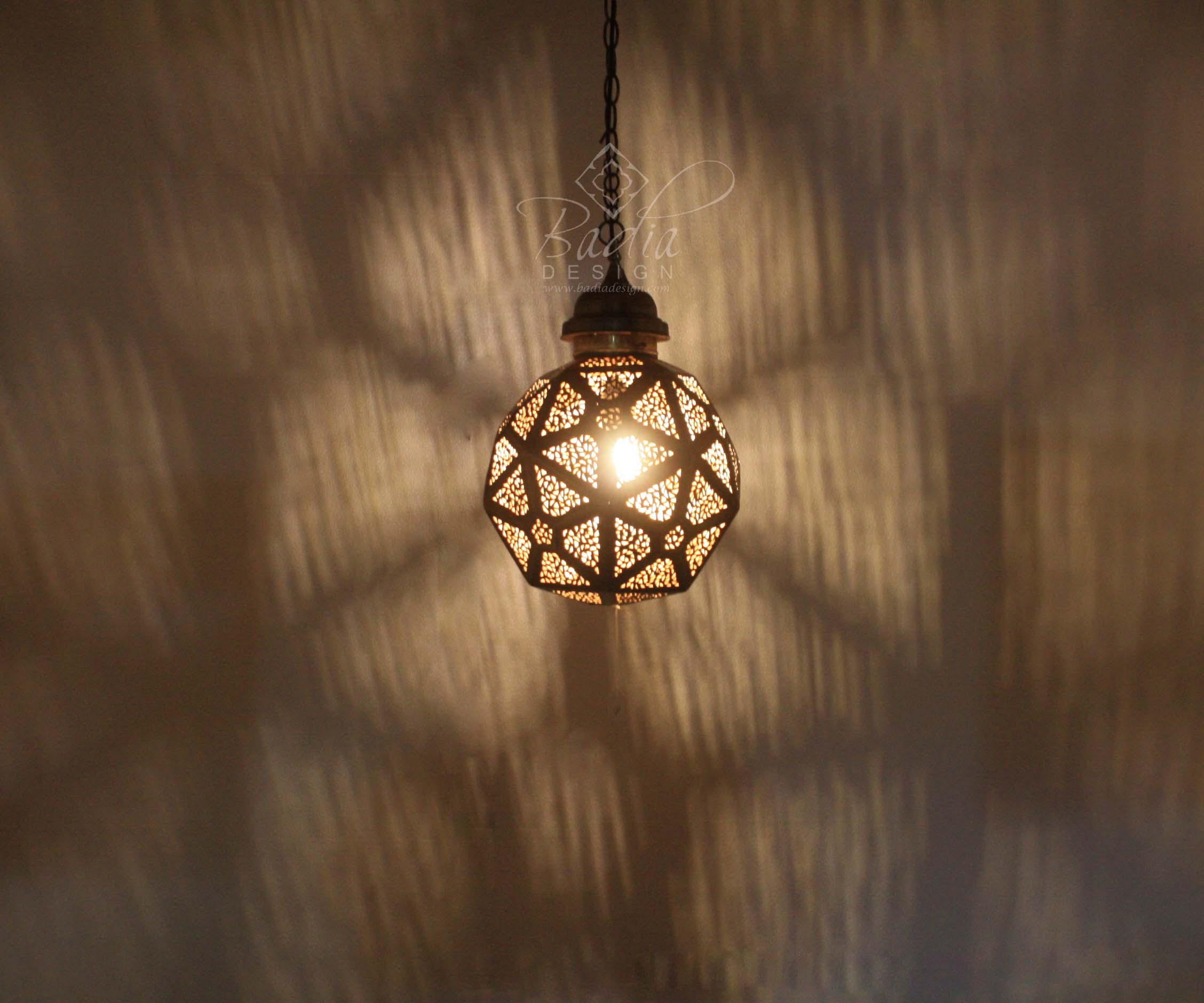 moroccan-hand-designed-brass-lantern-lig394-2.jpg