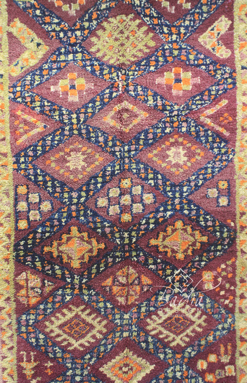 moroccan-hand-woven-berber-rug-r906-2.jpg