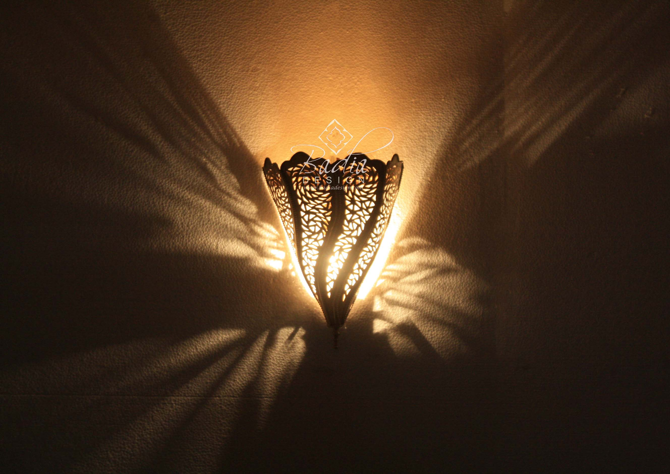 moroccan-intricately-designed-brass-wall-sconce-wl218-3.jpg