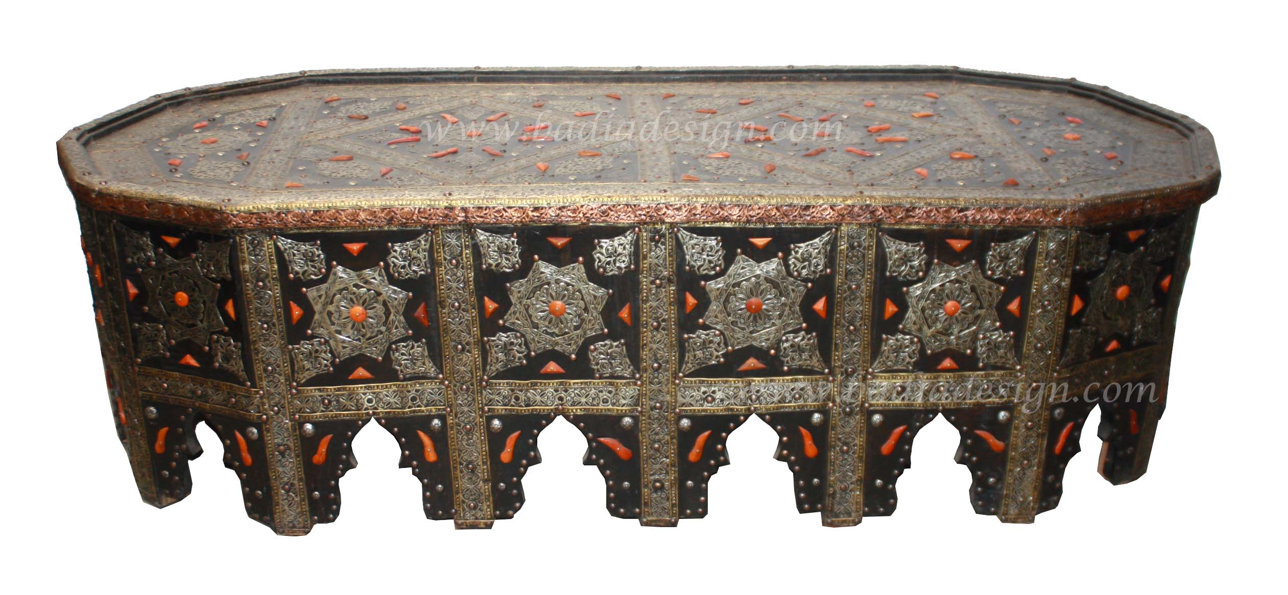 moroccan-oval-shaped-metal-and-bone-coffee-table-mb-st061.jpg
