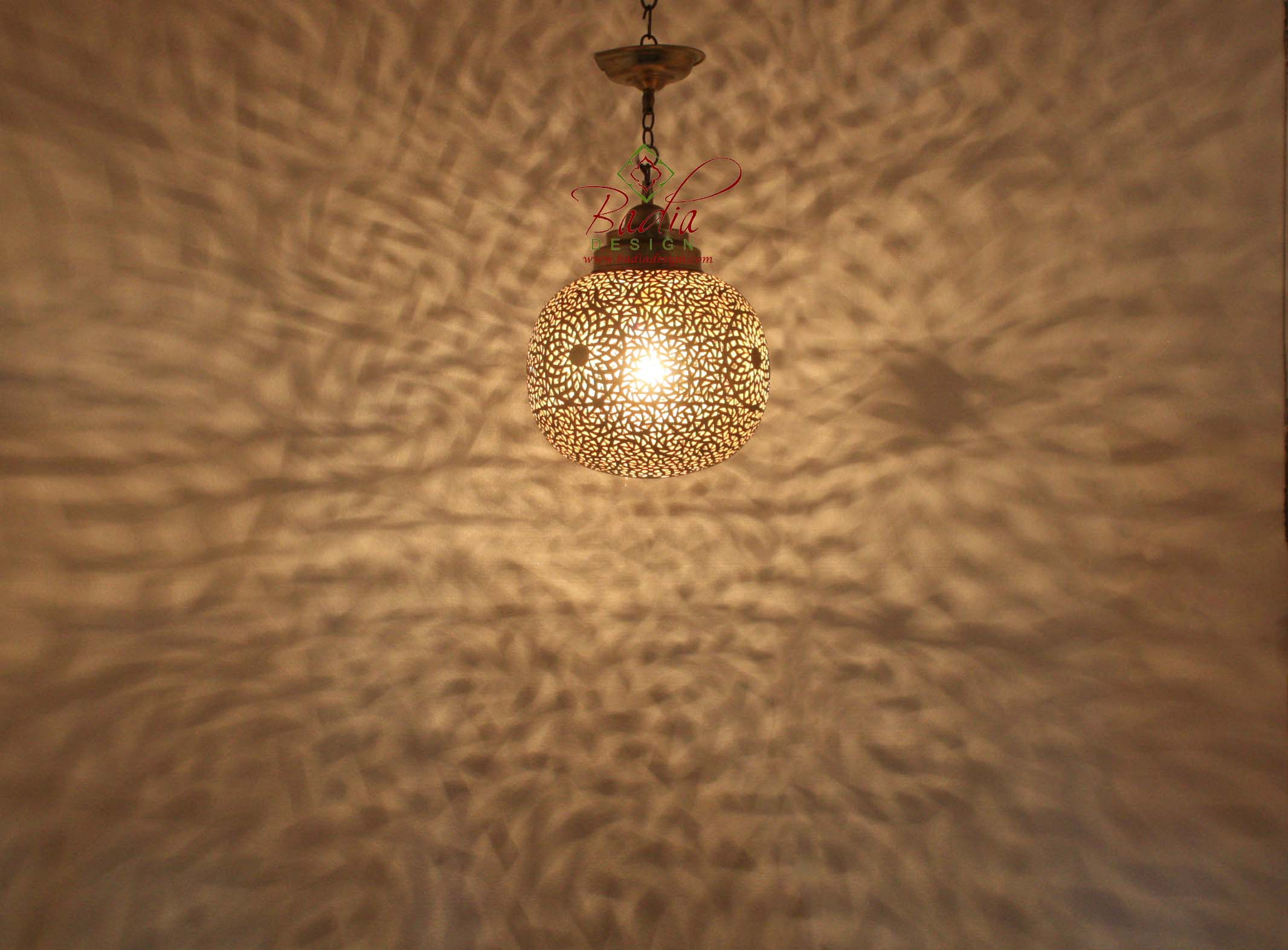 moroccan-round-brass-pendant-light-lig324-1.jpg