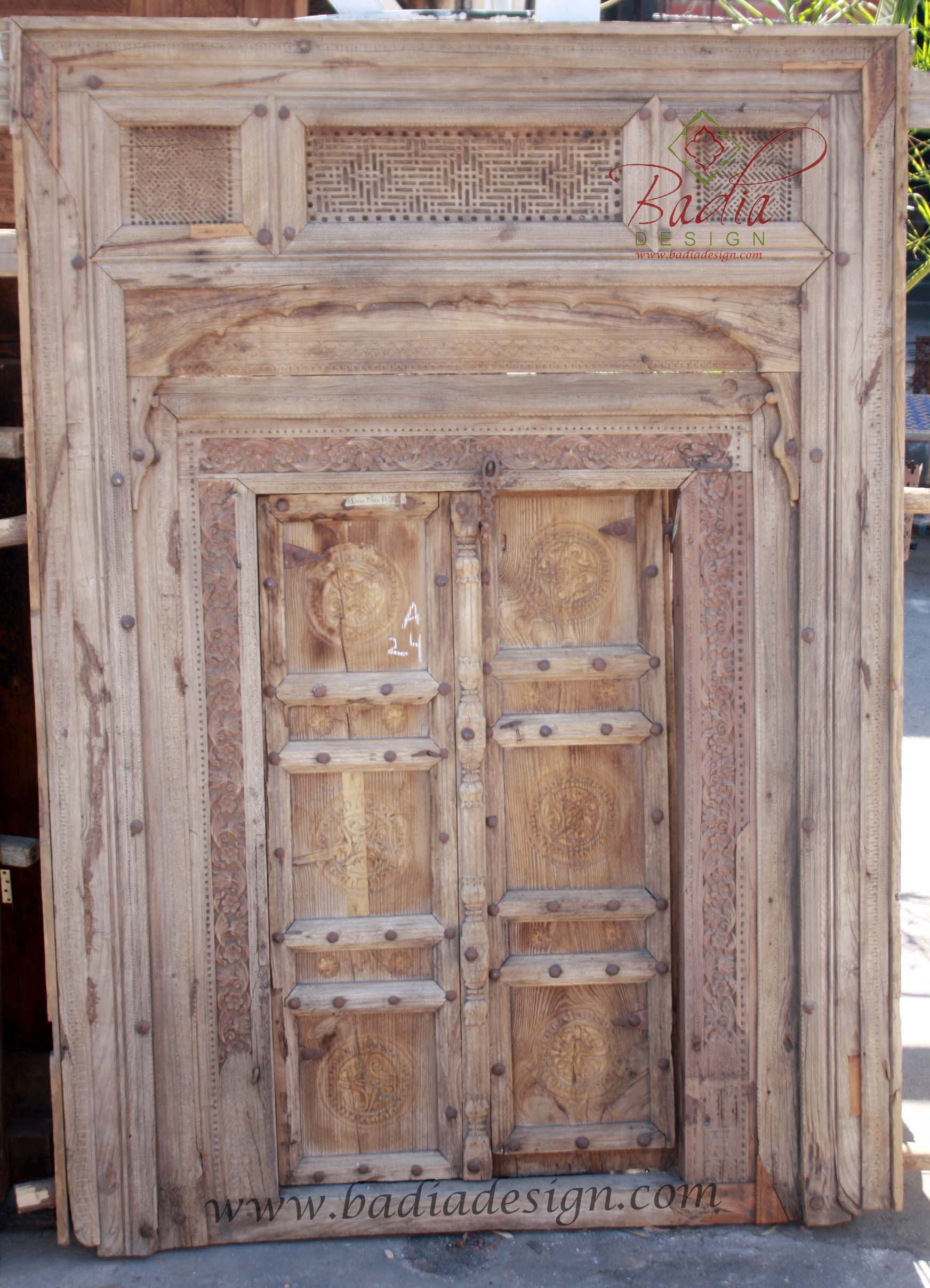 old-antique-wooden-door-cwd025.jpg