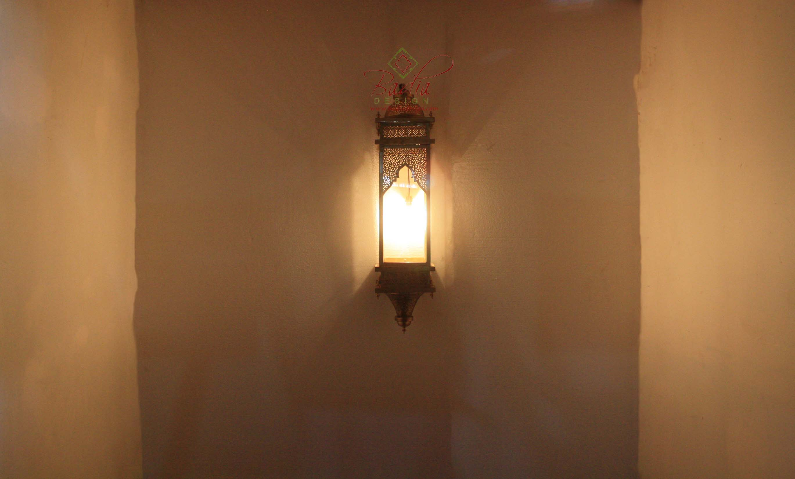 rectangular-shaped-brass-wall-sconce-with-clear-glass-wl204-1.jpg