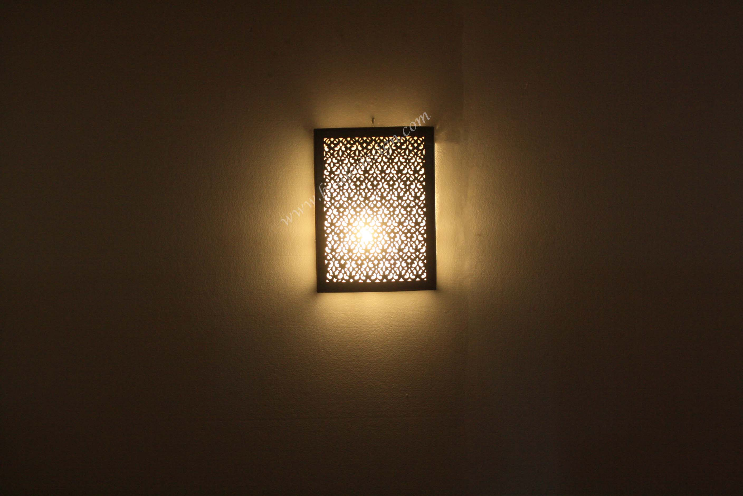 rectangular-shaped-brass-wall-sconce-wl208-1.jpg