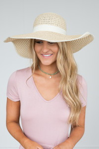 Scalloped Floppy Straw Hat - Beige