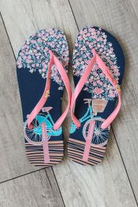 Ipanema Bouquet Flip Flops - Navy/Coral
