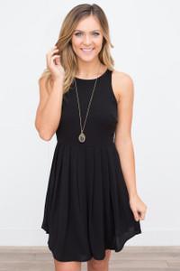 Solid Sleeveless Pleated Dress - Black