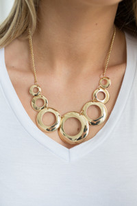 Circle Cutout Necklace - Gold