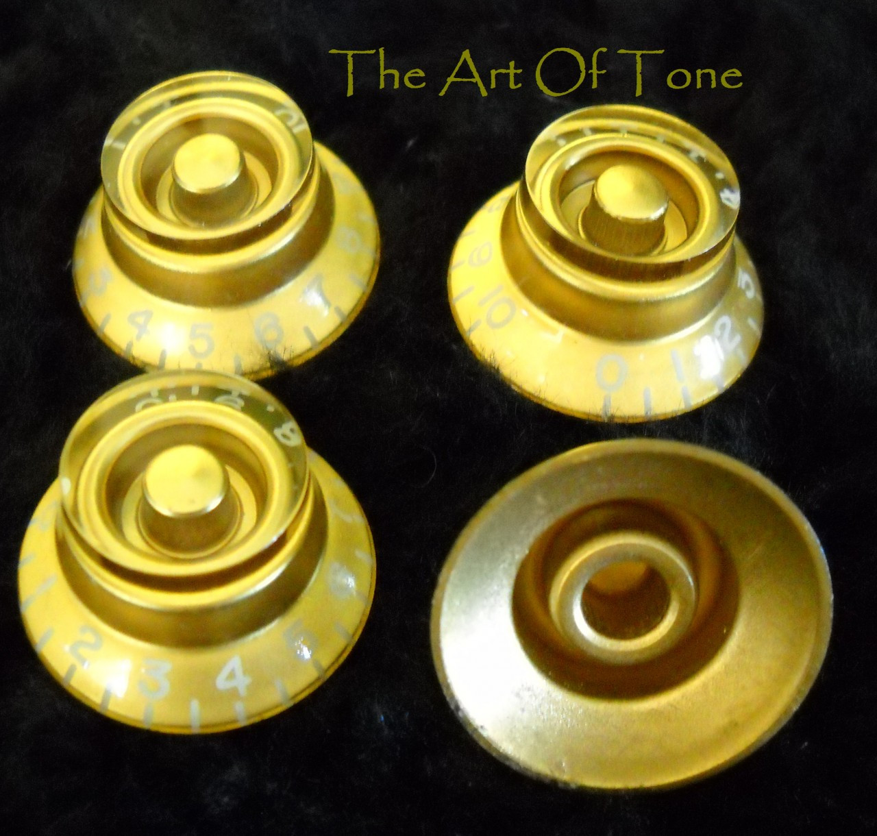 Tophat/Bell Knobs - Gold