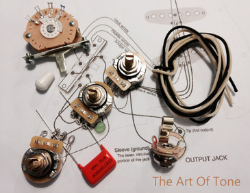 TAOT Wiring Kit - Strat CTS 450G Pots, Oak Grigsby 5-way Switch, .047uf Orange Drop Cap