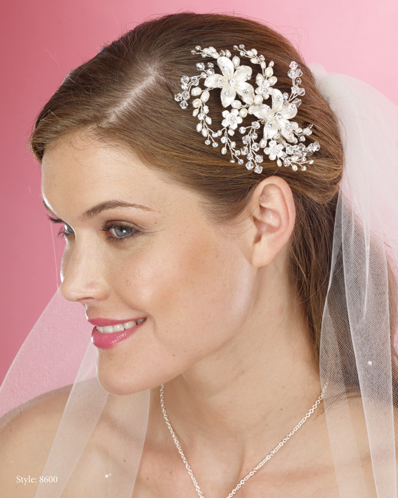 Marionat Bridal Headpieces 8600 - Pearl and crystal flower comb
