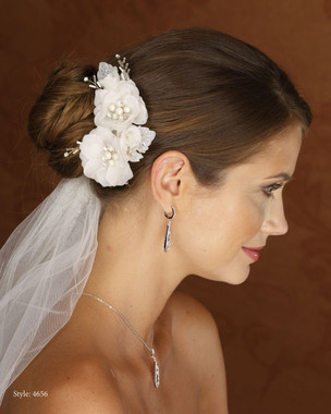 Marionat Bridal 4656 Ivory Blush Flower Clip with Glitter Leaves and Pearls- Le crystal