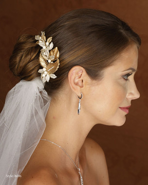 Marionat Bridal 8696 Gold Leaf Clip with Rhinestones and Pearls- Le crystal