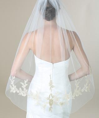 Bel Aire Bridal Veils V7277- Fingertip Metallic Lace Appliqués