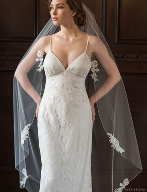 Bel Aire Bridal Veils V7355 - 1-tier waltz length rolled edge veil with Alençon lace