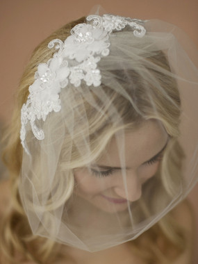 Mariell Bridals 4100V-White Double Flower Lace Applique Tulle Birdcage Blusher Veil