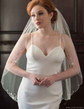 Bel Aire Bridal Veils V7351 - 1-tier fingertip scalloped edge veil
