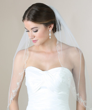 Bel Aire Bridal Veils V7272 - 1-tier fingertip veil with scalloped embroidery