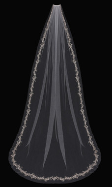 En Vogue Bridal Style V1797C - English tulle veil with embroidered lace near edge - 108 Inches