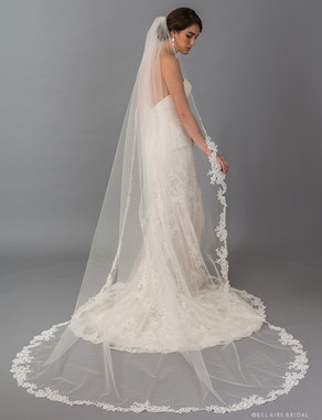Bel Aire Bridal Veils V7391CX  1-tier cathedral veil with rolled edge at top and Alençon lace