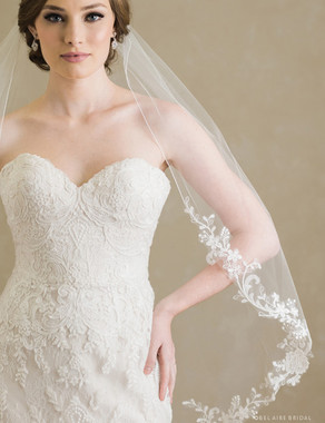 Bel Aire Bridal Veils V7381 - 1-tier rolled edge fingertip veil with lightly embroidered flowers