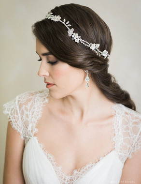 Bel Aire Bridal 6742 - Flexible halo of flowers and rhinestones