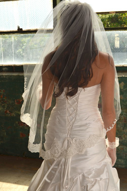 """Elena Designs Wedding Veil Style E1165S - Lace Embroidered edge veil with pearls - 40"""" X 60″"""