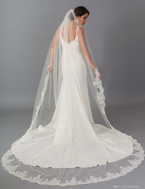 Bel Aire Bridal Veils V7402C - 1-tier cathedral veil with rolled edge and embroidered lace