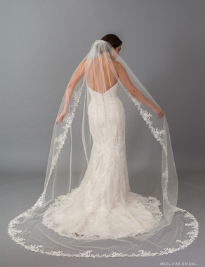 Bel Aire Bridal Veils V7406CX - 1-tier cathedral veil with rolled edge and dramatic floral lace