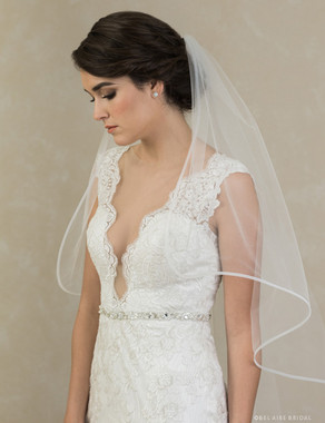 Bel Aire Bridal Veils V7398 - 1-tier fingertip cascading veil with wide horsehair