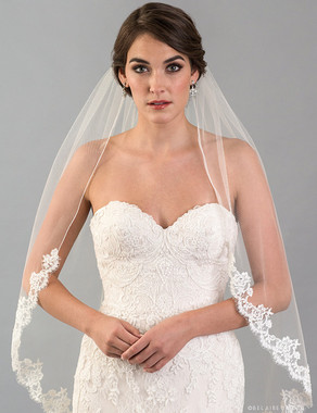 Bel Aire Bridal Veils V7416 - 1-tier fingertip veil with rolled edge at top sides and French Alençon lace