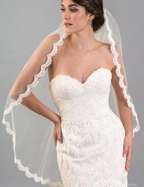 Bel Aire Bridal Veils V7418 - 1-tier fingertip veil with French Alençon lace across comb